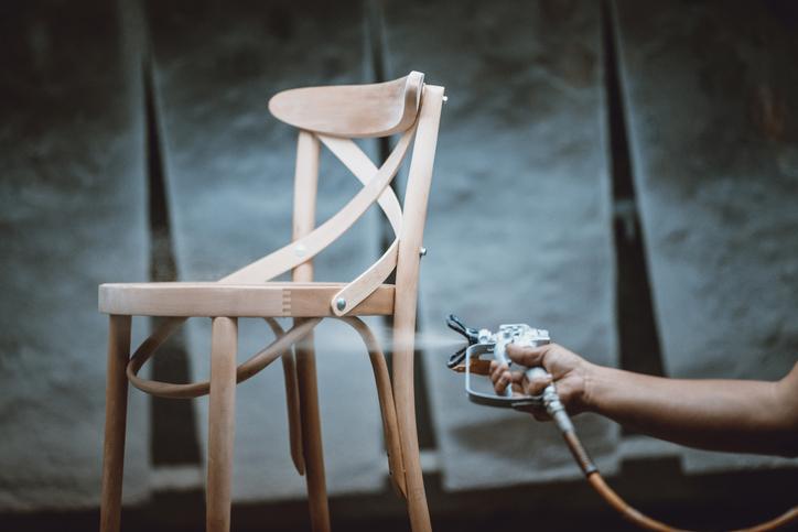 malowanie krzesła